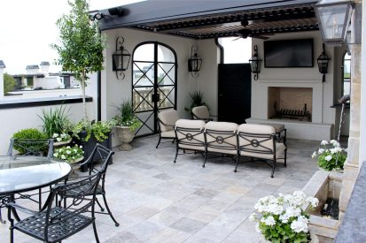 French Contemporary Terrace – River Oaks