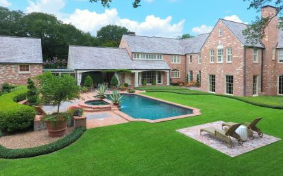Backyard Oasis – River Oaks, Houston